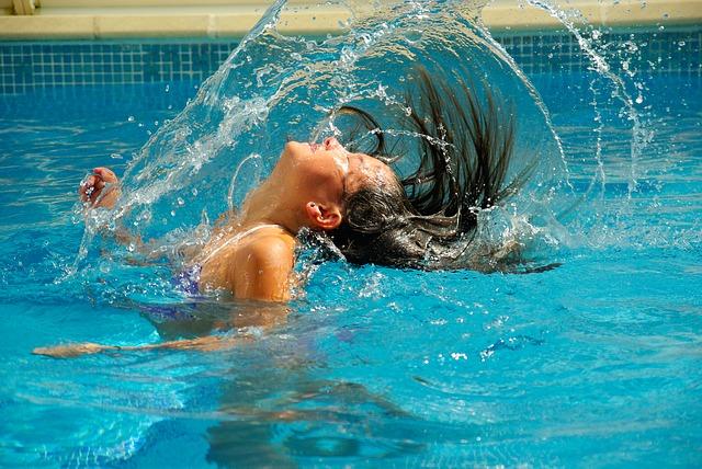 Co dělat, aby voda v bazénu byla čistá?