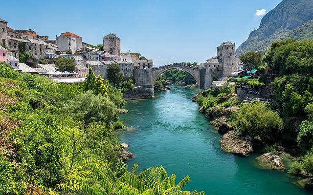 Balkánci se ženou do Unie